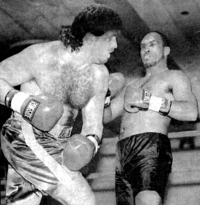 PETER McNEELEY STUNS JOE BARNES WITH A LEFT HOOK